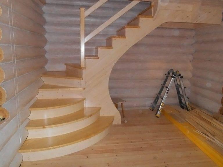 Лестница на второй этаж своими руками из дерева с фото 39