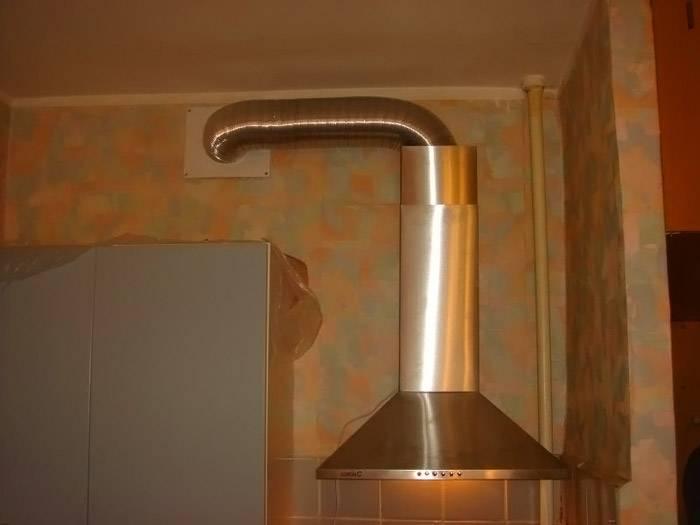 Установка устройства с отводом в вентиляцию