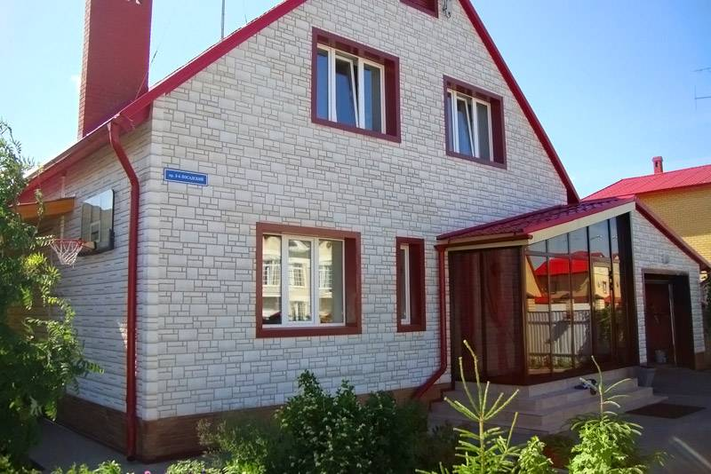 Фасадные панели для наружной отделки дома: подробный обзор