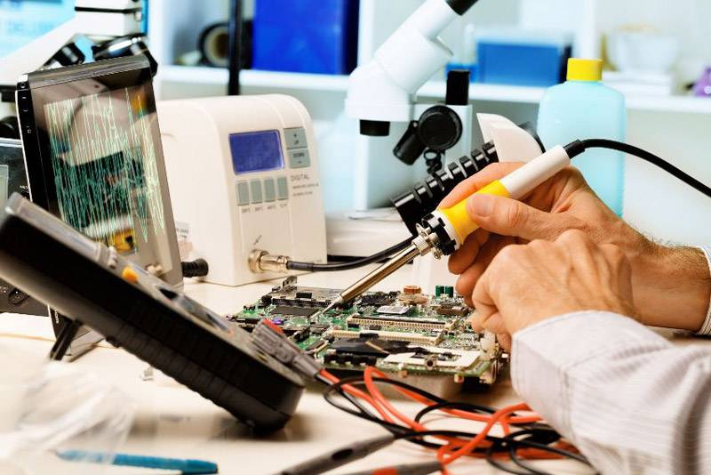 Для качественного выполнения ремонта необходимо обладать навыками и знаниями электротехнической продукции