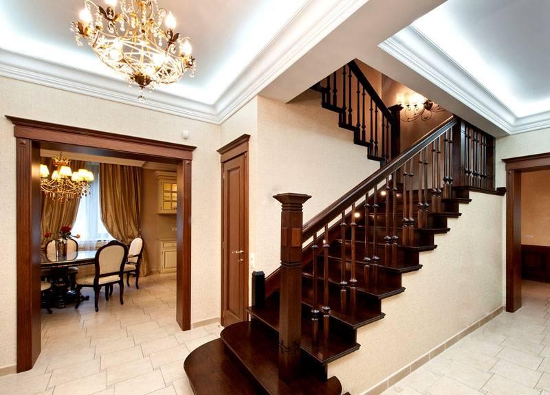 Классическое оформление лестницы