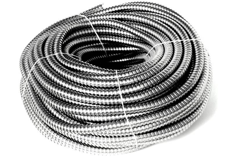 Металлическая гофра для проводки способна выполнять свои функции десятки лет