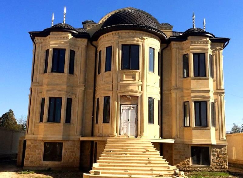 Дом, построенный с применением восточных мотивов