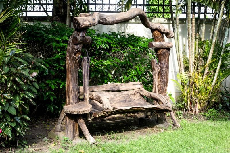 Чудо - скамейки