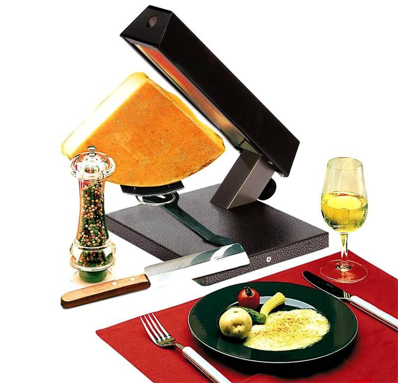 Раклетница, приспособленная для расплавления четверти стандартной головки сыра