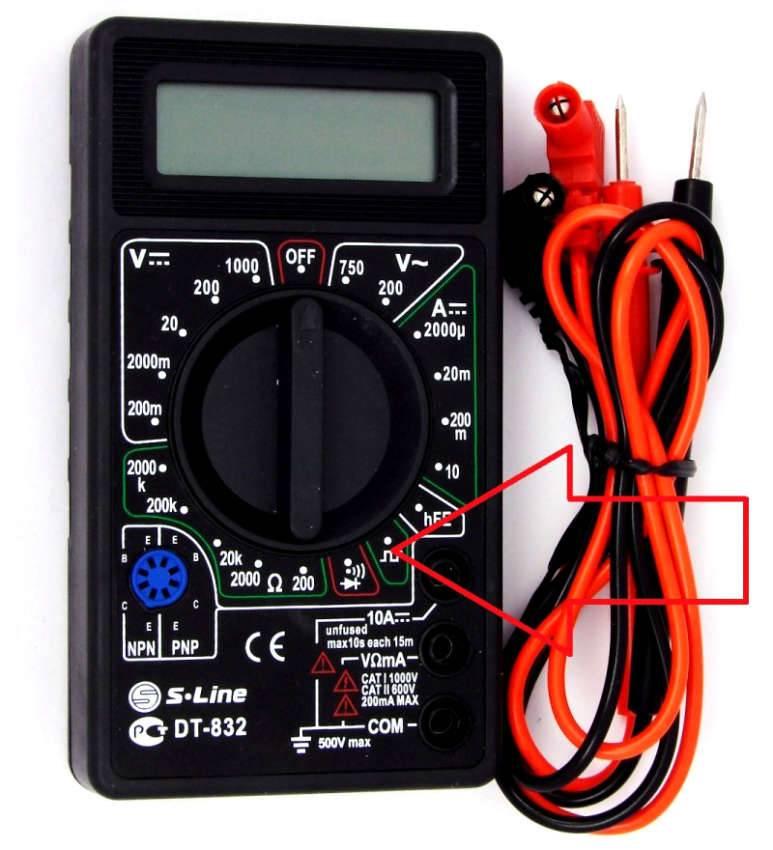 При таком положении переключателя на гнездах COM и VΩmA формируются прямоугольные импульсы 5 V, 50 Гц