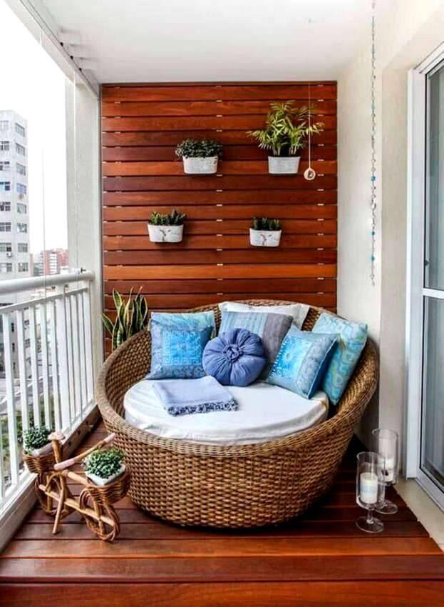 Такие балконы уместны в южных широтах