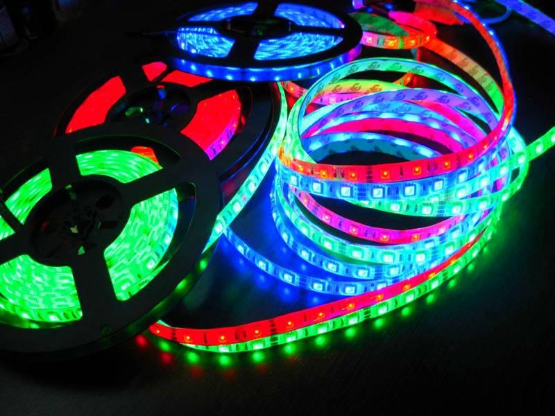 Многоцветные полосы могут создавать разные световые сценарии