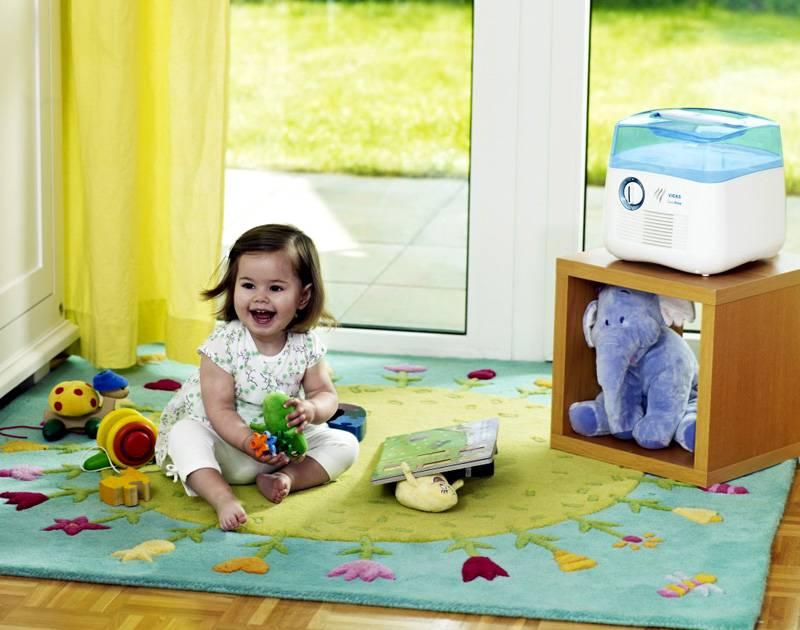 Если ребёнок в доме страдает аллергией – следует прибрести климатический испаритель, он наиболее качественно очищает воздух от частиц-аллергенов