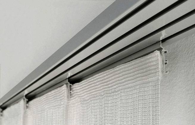 Пластиковые направляющие в комбинации с японскими шторами