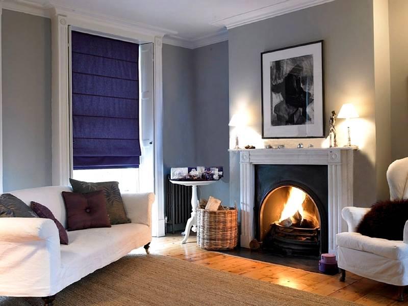 Непрозрачные темные ткани пригодятся для уменьшения избыточной интенсивности освещения. Подобные решения применяют, если окна комнаты направлены на юг
