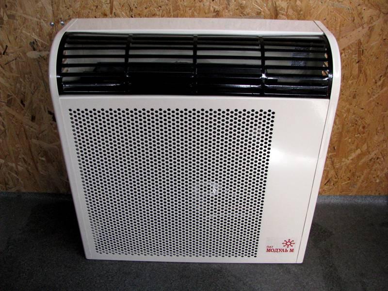 Теплообменник конвектора защищен решеткой от случайного прикосновения к горячему кожуху