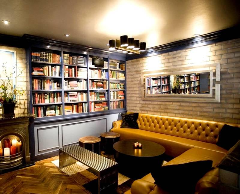Создание оптимального микроклимата в библиотеке поможет обеспечить сохранность редких книг, дорогой обивки мебели, паркета из древесины ценных пород