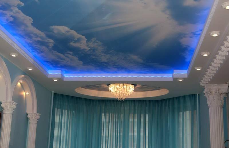 В таком варианте создаётся иллюзия отсутствия потолка