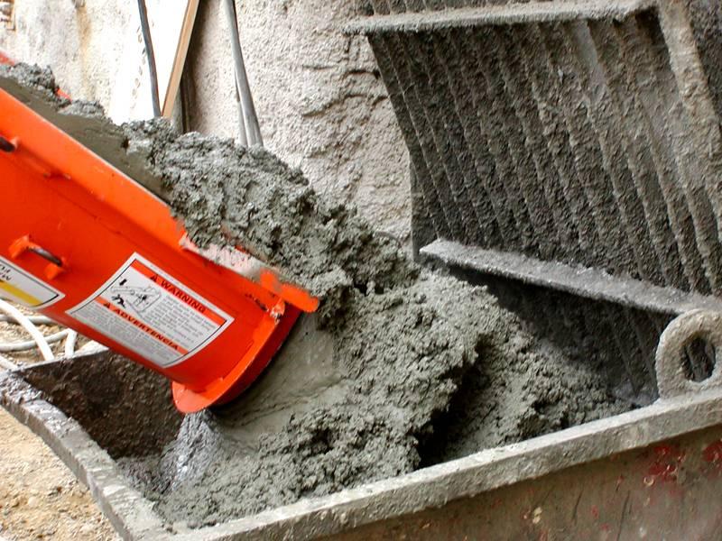 В противном случае придётся на ходу решать, куда применить лишний раствор или отпустить бетономешалку с излишками обратно и попрощаться с напрасно потраченными средствами
