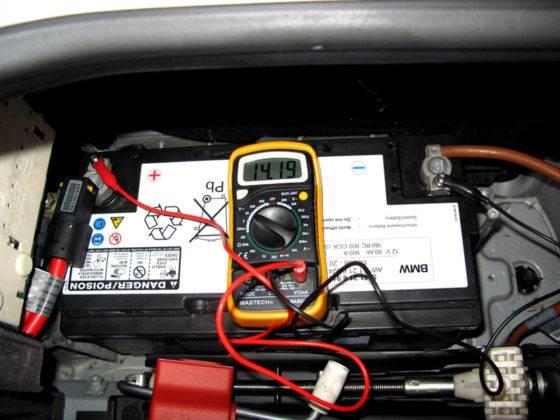 Проверка напряжения в бортовой сети автомобиля и состояния аккумуляторов