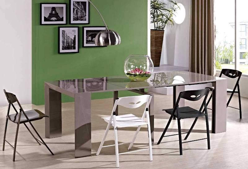 Размеры обеденного трансформера стола-консоли достаточны для удобного размещения большого количества гостей