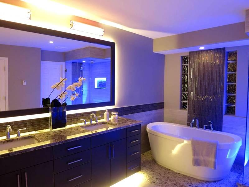 Санитарные помещения можно оборудовать нейтральным освещением