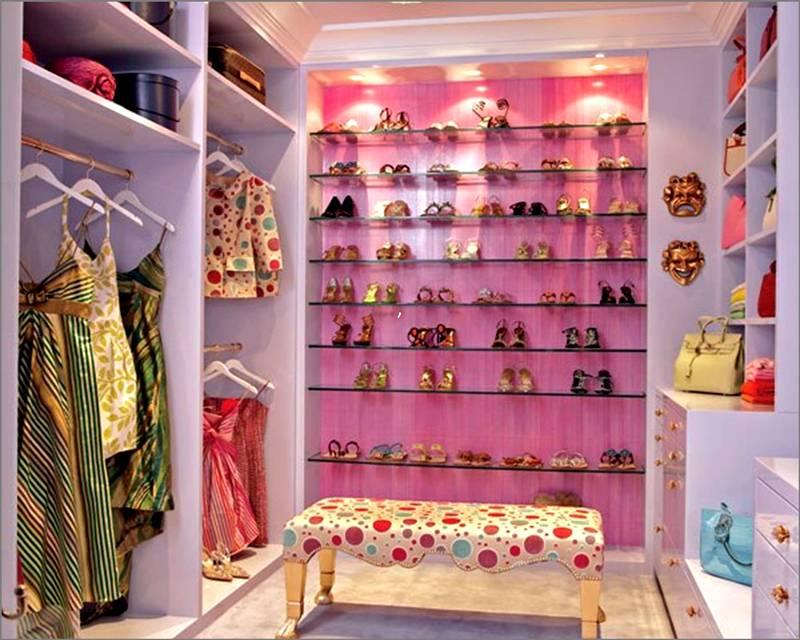Точечные светильники в гардеробе
