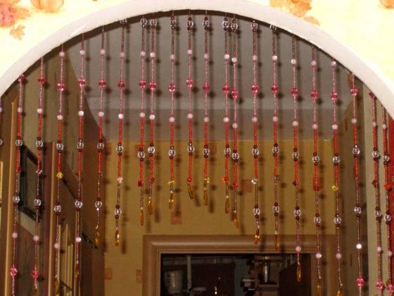 Декоративная занавеска на дверной проем