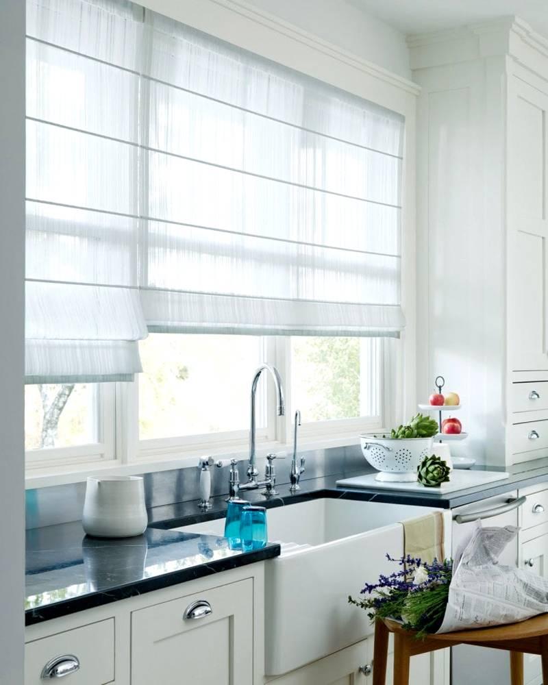 Декорирование оконного проема на кухне