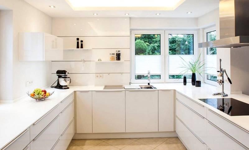 Для отделки небольших помещений с низкими потолками применяют светлые тона