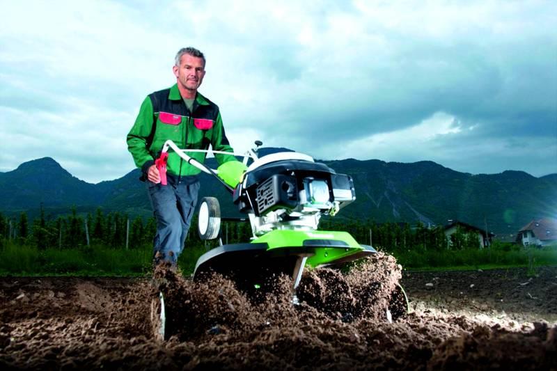 Тяжелые агрегаты способны обработать свыше одного гектара пашни