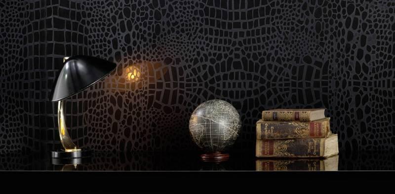 Имитация кожаного покрытия на стене придаст интерьеру экстравагантный облик