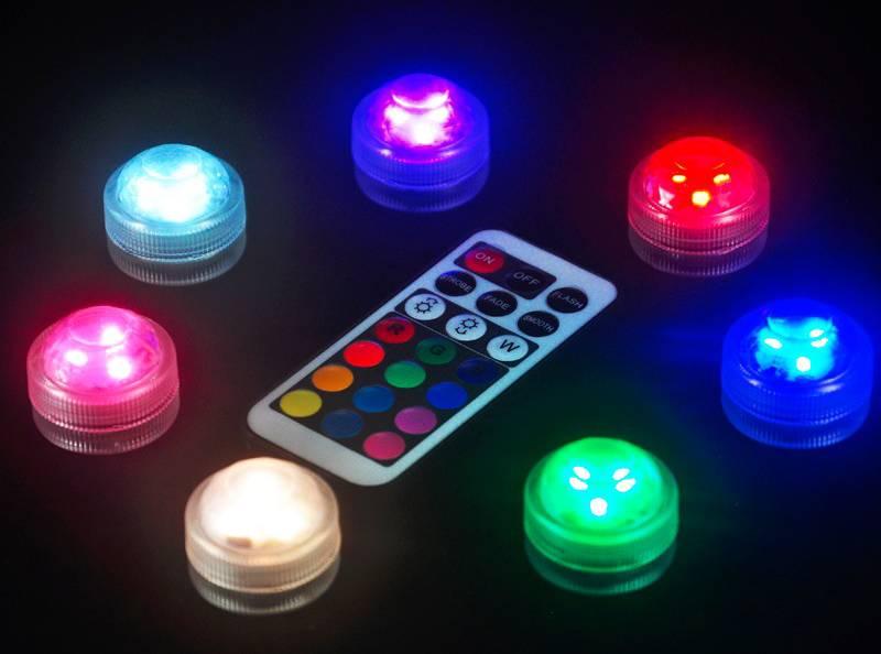 Светодиодными точечными светильниками для гипсокартонных потолковв соответствующем исполнении можно управлять с помощью пульта дистанционного управления