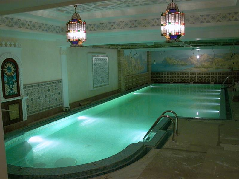 Светильник, соответствующий стандарту IP 68, можно устанавливать под водой в бассейне