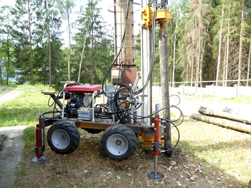 Специальная техника для бурения скважин и установки винтовых свай