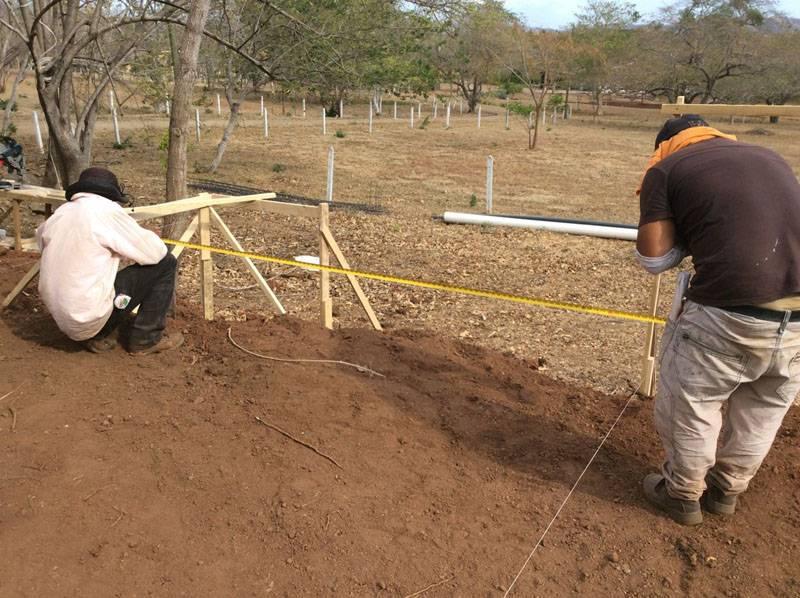 Так как тщательная планировка земельного участка не требуется, разметка на местности не составит большого труда