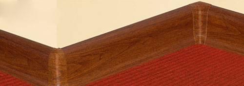 Как выбрать и применить правильно плинтус для ванной комнаты: потолочные и напольные модели