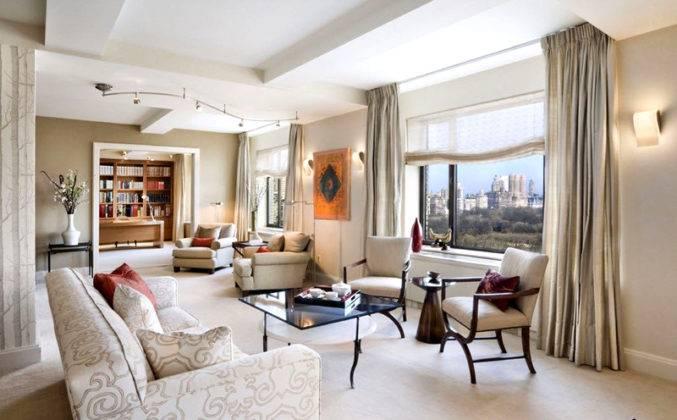 Эти шторы хорошо подходят для оформления широких оконных проемов в гостиной