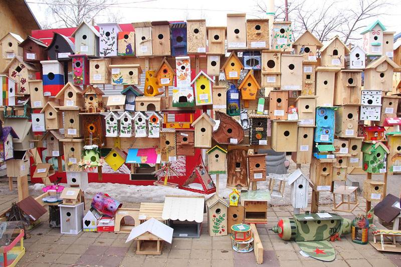 На творческий конкурс в детский сад красивые и необычные виды скворечников родители создают вместе с малышами