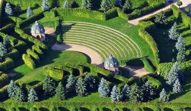 Пример большой площади ландшафтного дизайна