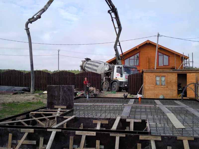 Для продолжения монтажа строительных конструкций нужно ждать пока бетонный раствор застынет