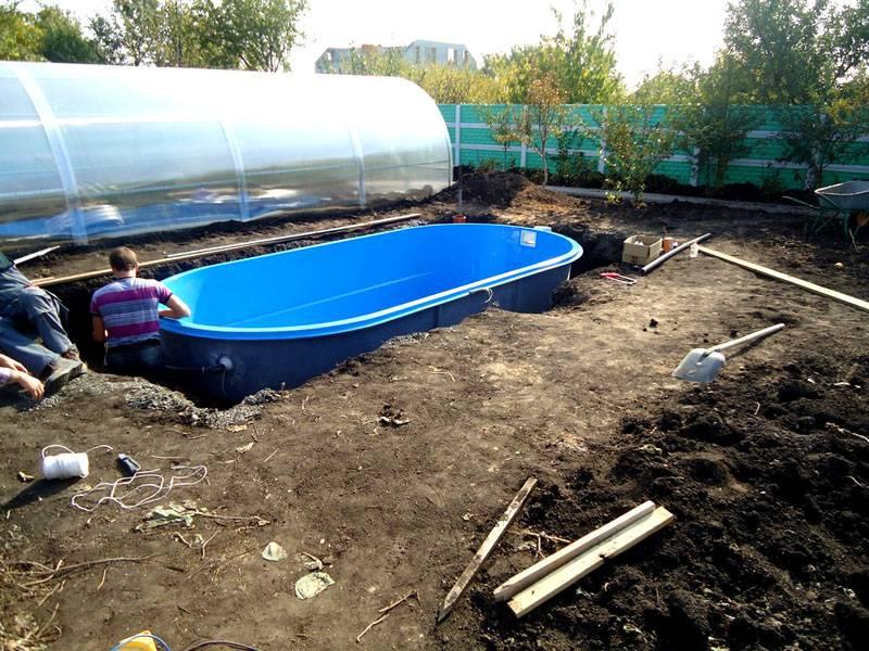 Пруд и бассейн устанавливают на самой высокой части земельного участка