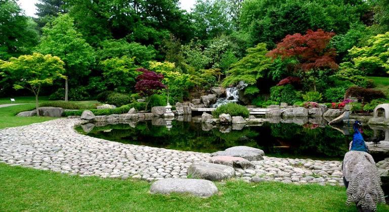 Для создания красивого частного сада пригодится достаточная площадь