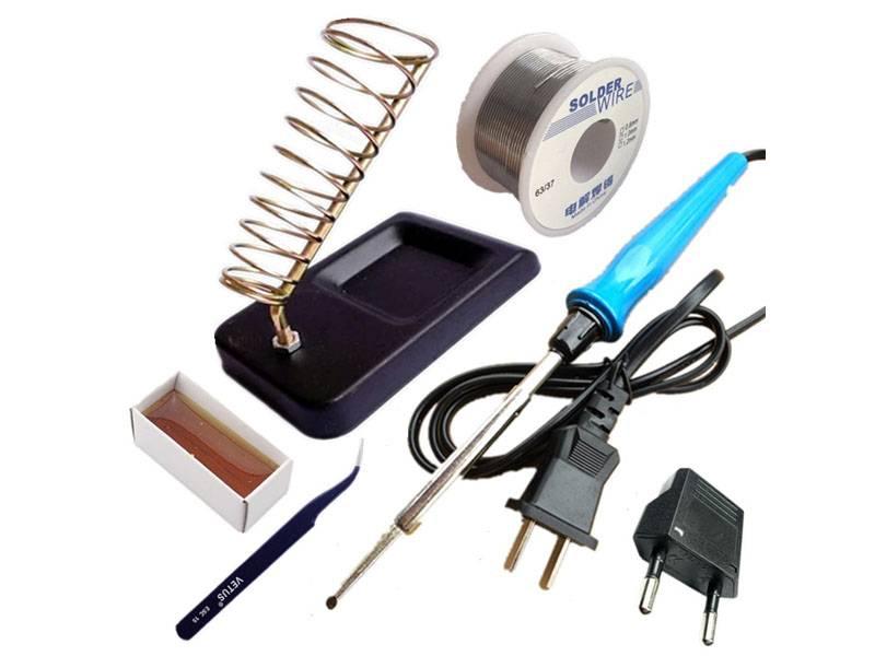 Паяльник с флюсом и припоем нужен, чтобы качественно восстанавливать целостность электрических цепей