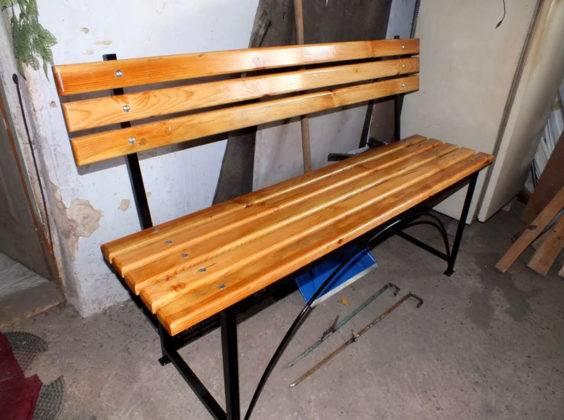Простой вариант металлической скамейки