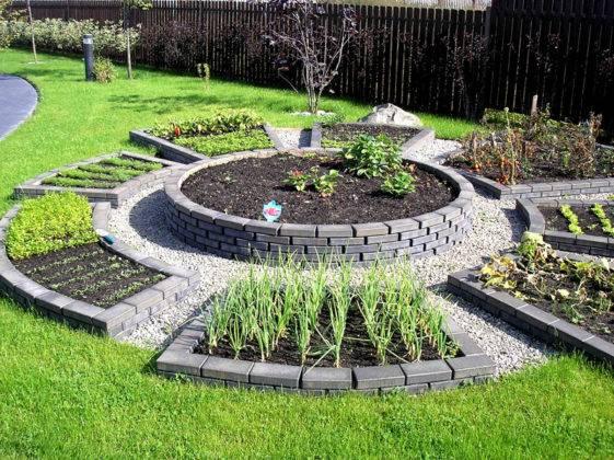 Интересные каменные конструкции под овощи