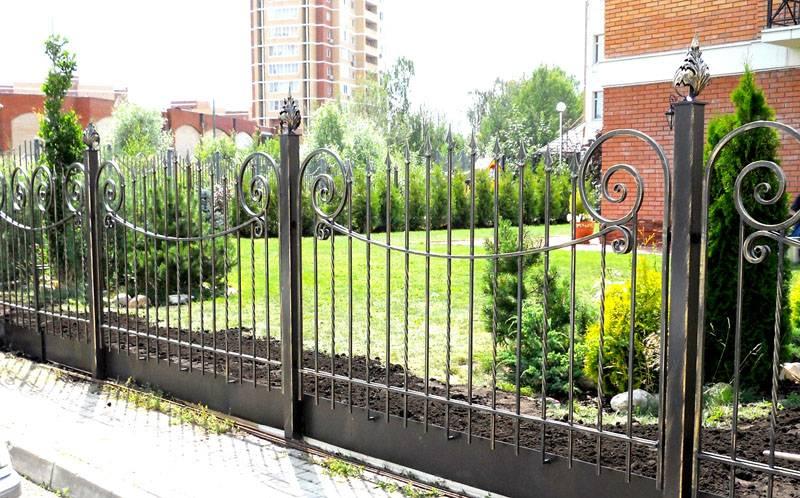 Кованый забор – эталон изящества и элегантности