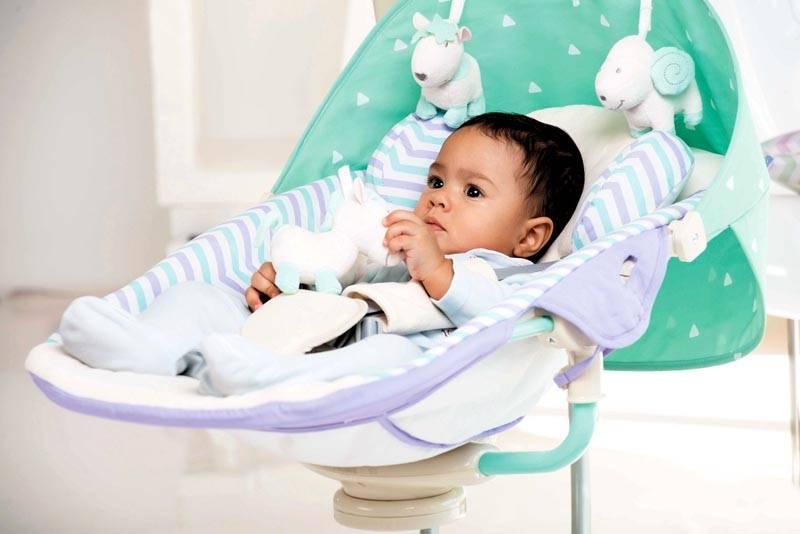 Ребенок надежно фиксируется ремнями, а интенсивность укачивания такая, как будто малыш укачивается на руках