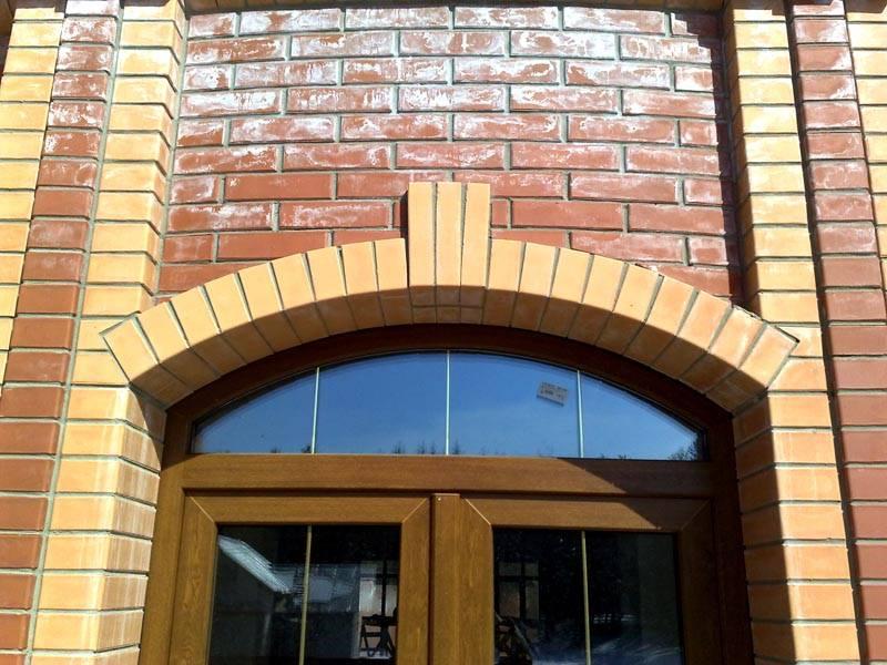 Обрамление арки кирпичом