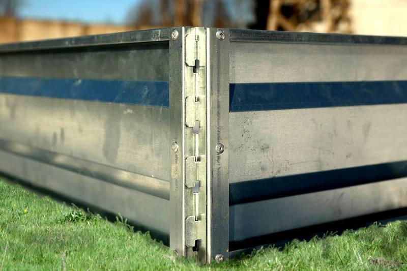 Стык металлического ограждения для гряды