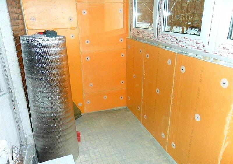 Для дополнительного утепления балкона или лоджии достаточно пеноплекса 10 мм