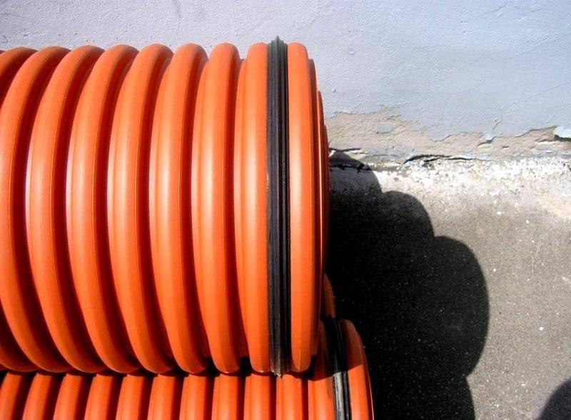 Все части конструкции соединяются резиновыми уплотнительными кольцами