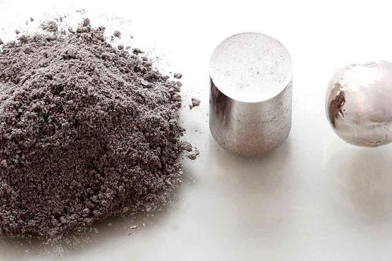 В идеале хорошо использовать серебряный порошок