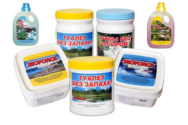 Можно пойти другим путем: предварительно залить в бассейн для стоков комплексный состав бактерий для очистки стоков. За несколько дней они переработают органические отходы и содержимое колодца можно будет использовать для полива и удобрения деревьев